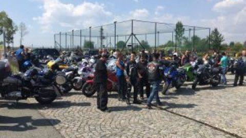 Внушително мото-шествие към лобното място на семейство Бойкови (ВИДЕО)