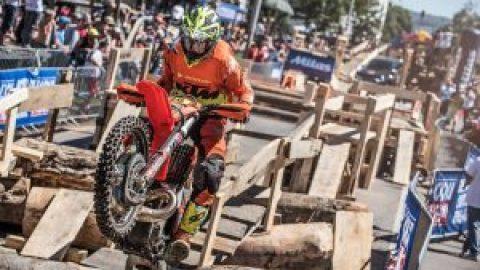 Ендуро: Контузия спря Кабакчиев по пътя към върха на Red Bull Romaniacs 2016