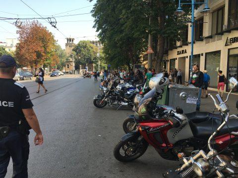 Мотористи в сутрешния блок на БТВ