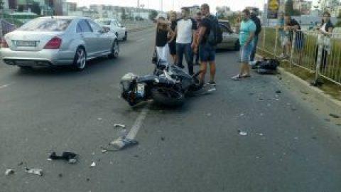 Моторист е пострадал при забранена маневра от шофьорка на автомобил
