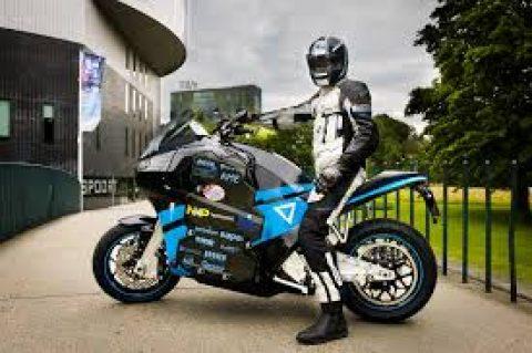 Първият в света електрически туристически мотоциклет пристига в България