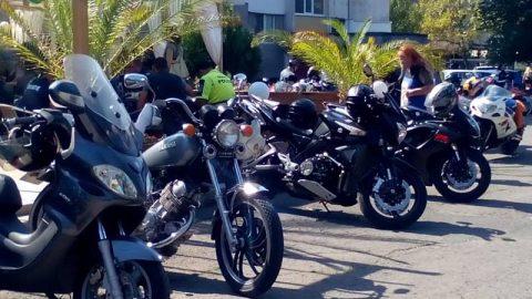 Над 100 мотористи в Бургас посветиха днешния ден на загиналите и пострадалите при катастрофи колеги