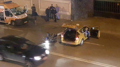 """Таксиметров шофьор уби на място моторист на """"Симеоновско"""""""