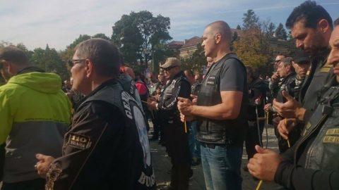 Live в Riders.Live: Мотористите почетоха паметта на своите колеги с панахида