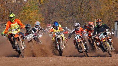"""Кандидатстващият за """"Гинес"""" 60-годишен традиционен мотокрос стартира днес в Бобошево"""
