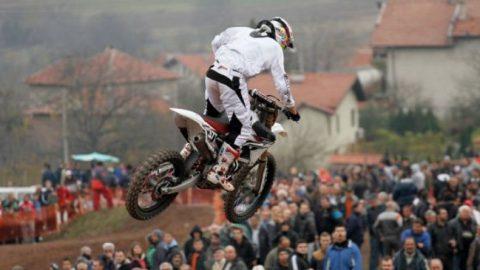 Силна конкуренция за юбилейния традиционен мотокрос в Бобошево