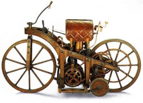 На този ден в мото-историята: 10 ноември 1885 г. – първото пътуване с мотоциклет