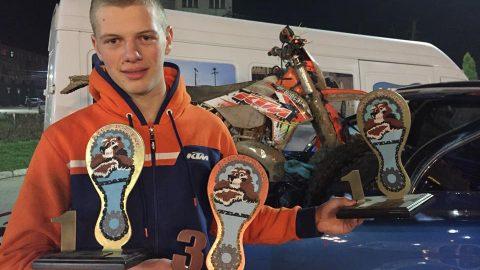 Теодор Кабакчиев в топ 10 в дебюта си в Световното по Super Enduro