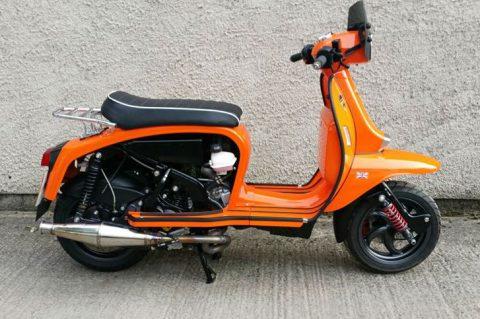 Scomadi: Класически скутер с модерен 400 сс двигател