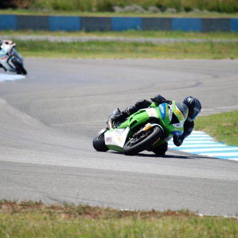 Мотоциклетизъм: Първа победа за сезона за Жулиета Ленкова в SP125, екшън в F600