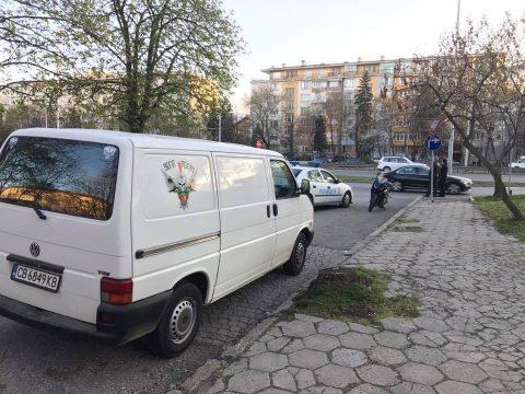 """SR-сигнали: Жена удари моторист на """"Цариградско"""" в София"""