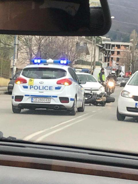 Шофьор на автомобил по невнимание предизвика инцидент с моторист в София