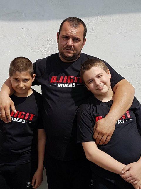 Djigit Riders посетиха Ивчо в Драгоман, който страда от тумор на мозъка