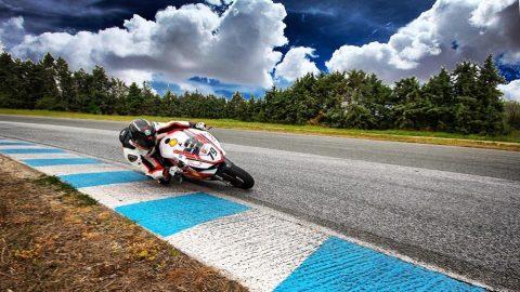 BMU: Ангел Караньотов излиза на старта в Superbike въпреки контузията