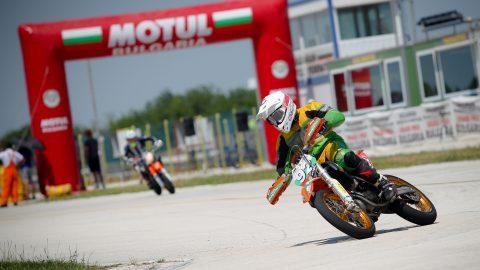 Виктор Нейчев донесе победа за България в клас SM Junior на Европейското по СуперМото в Долна Митрополия