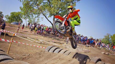 83-ма състезатели участват в 9-тия кръг от Републиканския шампионат по Ендуро в Казанлък